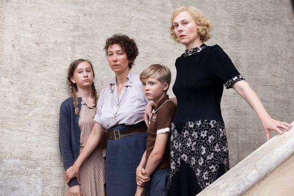 """In """"Maikäfer flieg!"""" von Mirjam Unger waren die Head-Departements Regie, Drehbuch, Kamera, Schnitt und Produktion ausschließlich von Frauen besetzt."""